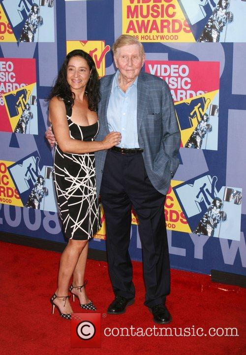 Sumner Redstone and Mtv 2