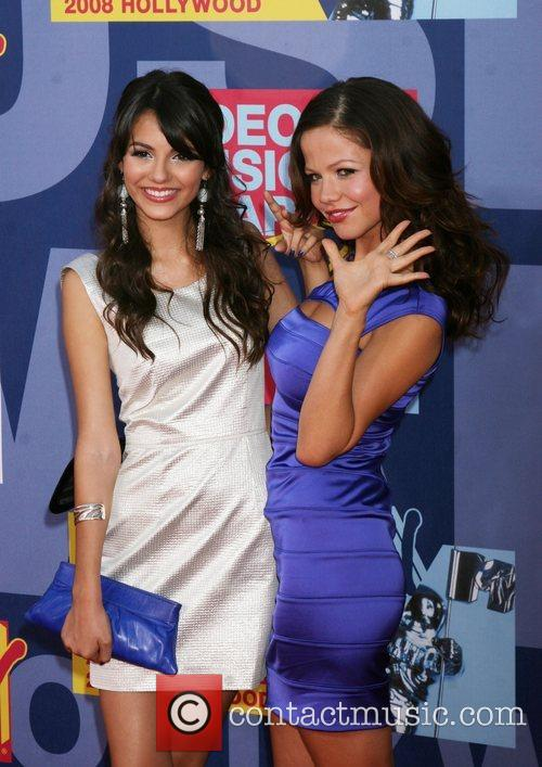 Victoria Justice and Mtv 3