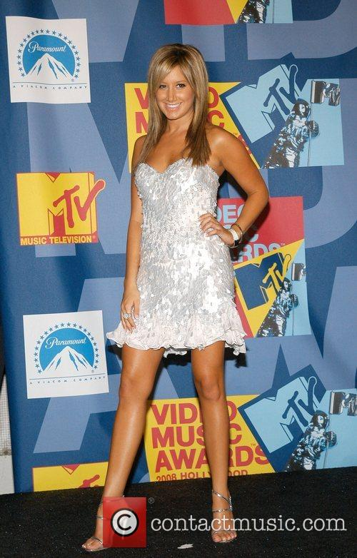 Ashley Tisdale and Mtv 6