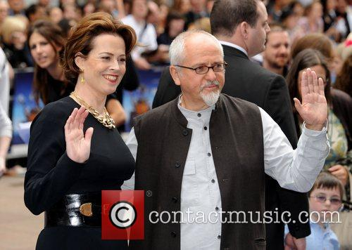 Sigourney Weaver and Peter Gabriel 10