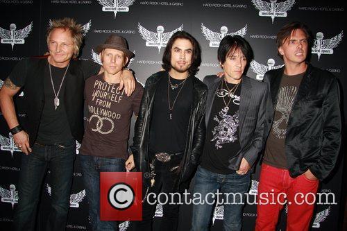 Matt Sorum, Chris Chaney, Dave Navarro, Billy Morrison,...