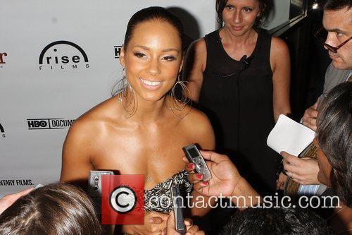 Alicia Keys and Angelina Jolie 8