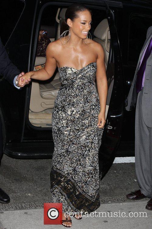 Alicia Keys and Angelina Jolie 9
