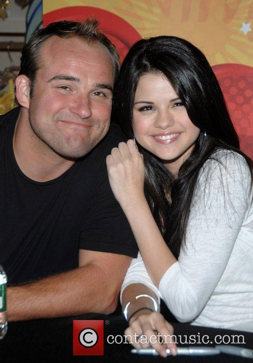 David Deluise, Gomez and Selena Gomez 2