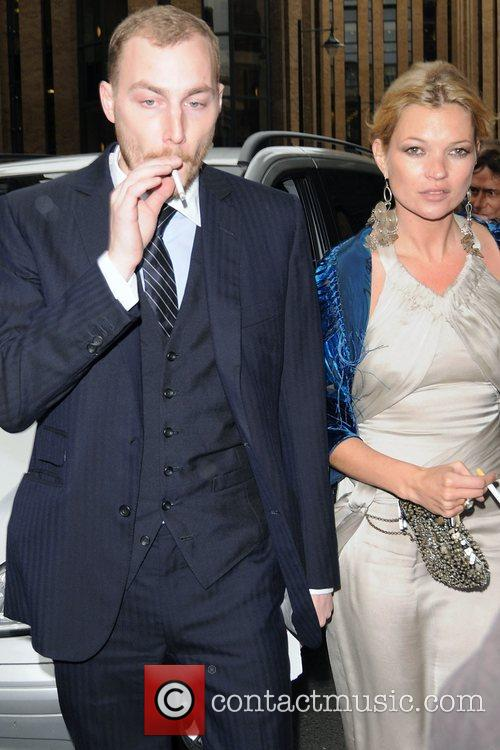 Kate Moss and Leah Wood 5