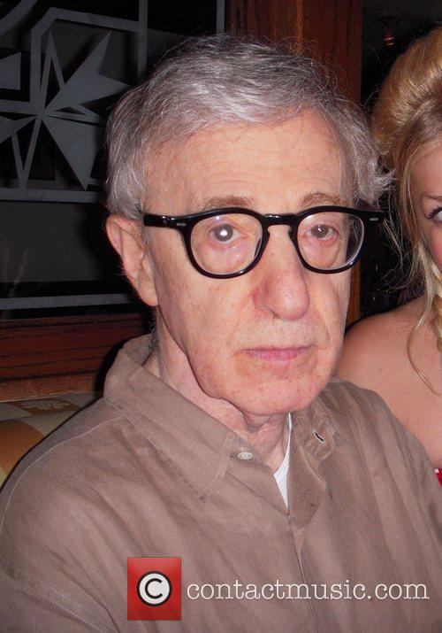 Woody Allen has lunch with Jennifer Aniston at...