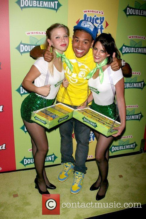 Chris Brown and The Wrigley's Girls 2