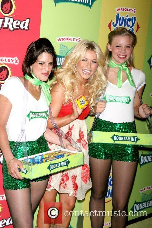 Julianne Hough and Wrigley's Girls 6
