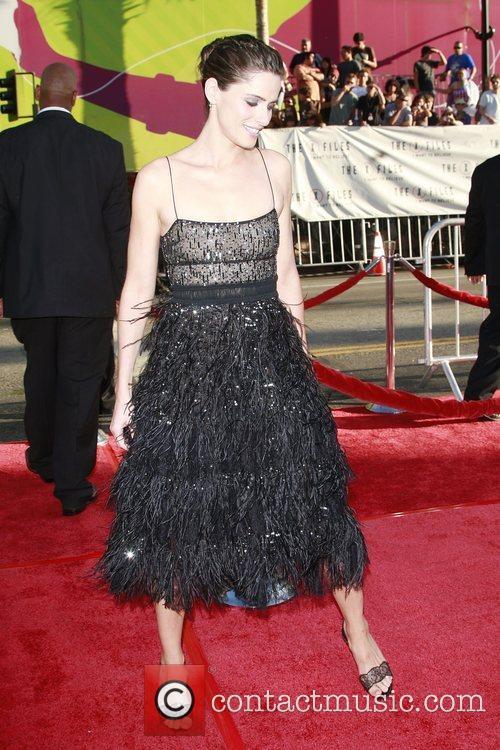 Amanda Peet and The X Files 11