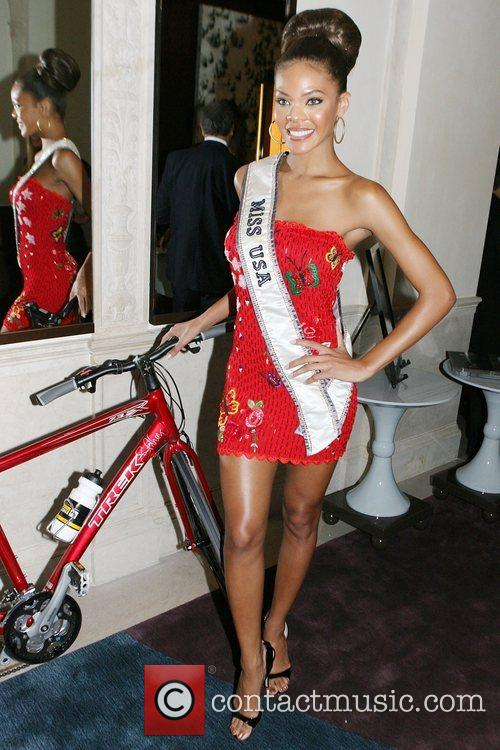 Crystle Stewart and Lance Armstrong 1
