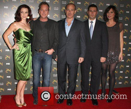 Annie Wersching, Carlos Bernard and Kiefer Sutherland 8
