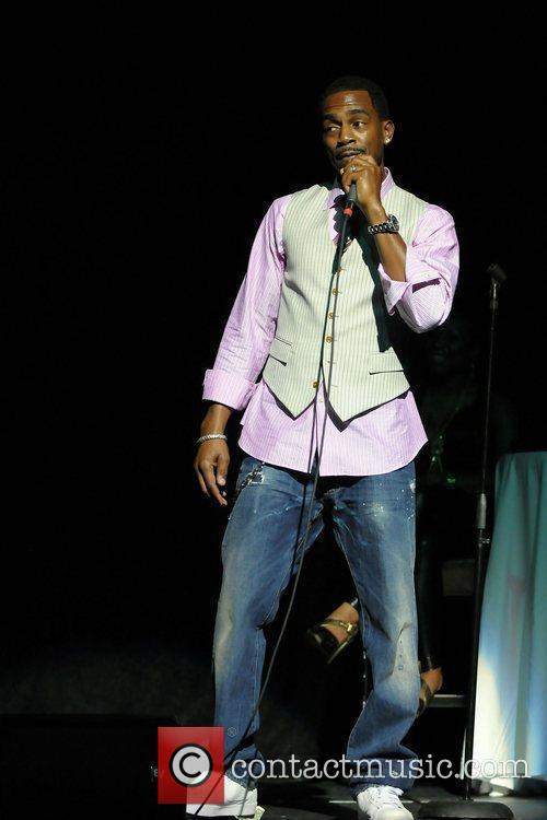 Performs live during the 2nd Annual Memorial Weekend...