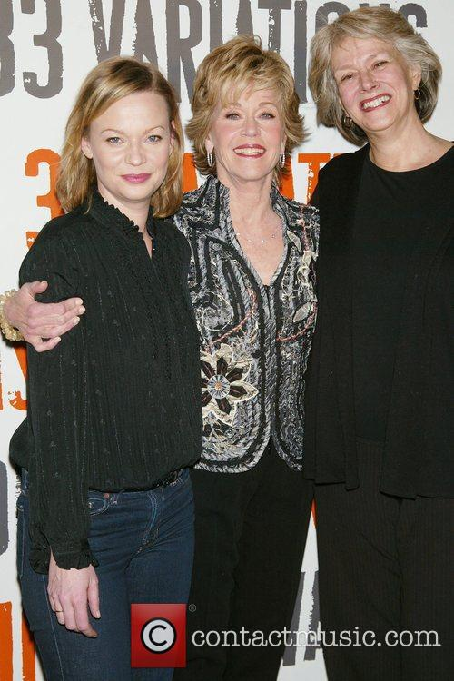 Samantha Mathis, Jane Fonda, Susan Kellerman Photocall for...