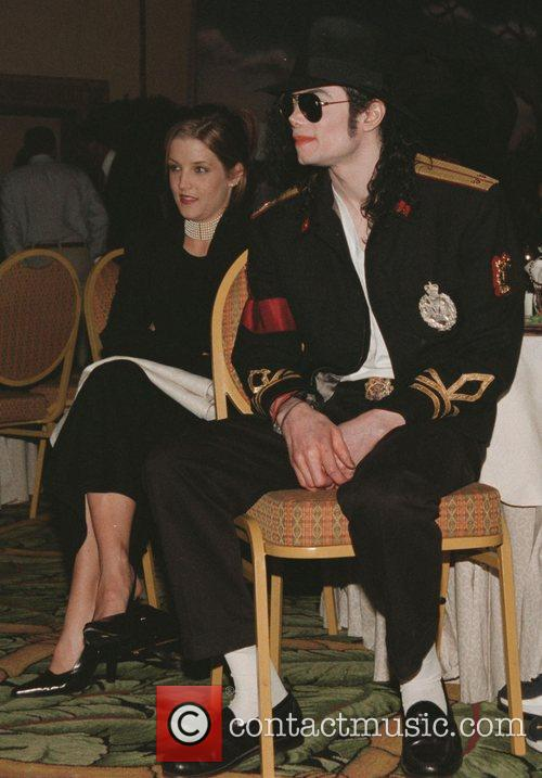 Lisa Marie Presley and Michael Jackson 1