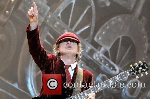Angus Young 11