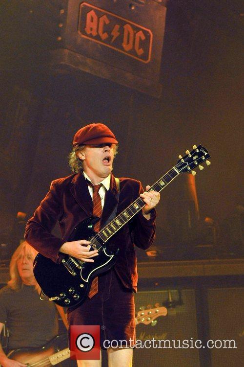 Angus Young 10