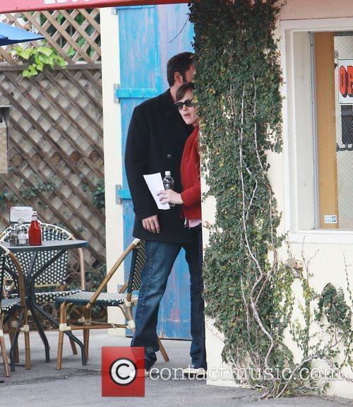 Ben Affleck and wife Jennifer Garner have breakfast...