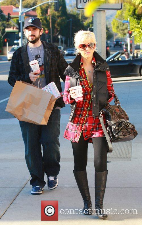 Jordan Bratman and Christina Aguilera do some last...