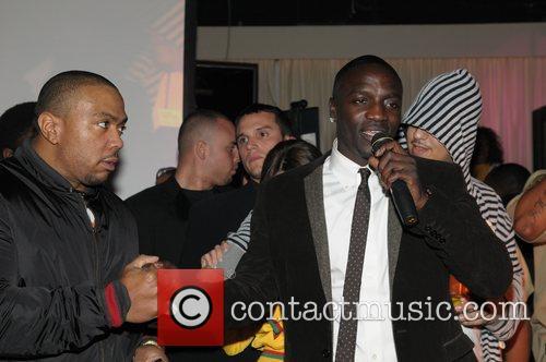 Timberland and Akon 4