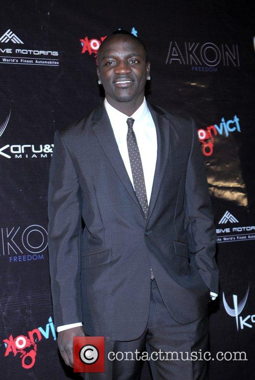 Akon 17