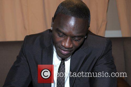 Akon 22
