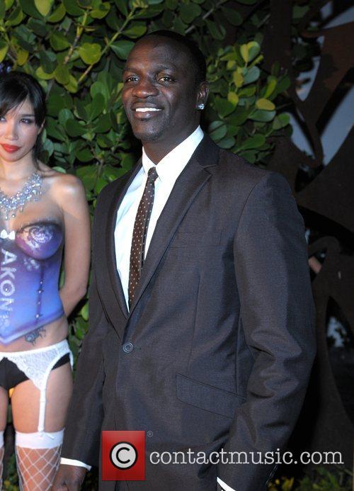 Akon 20