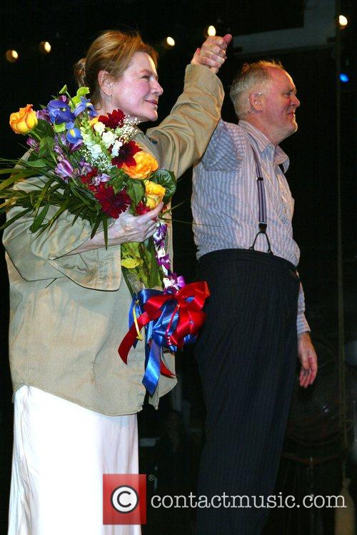 Dianne Wiest and John Lithgow 1