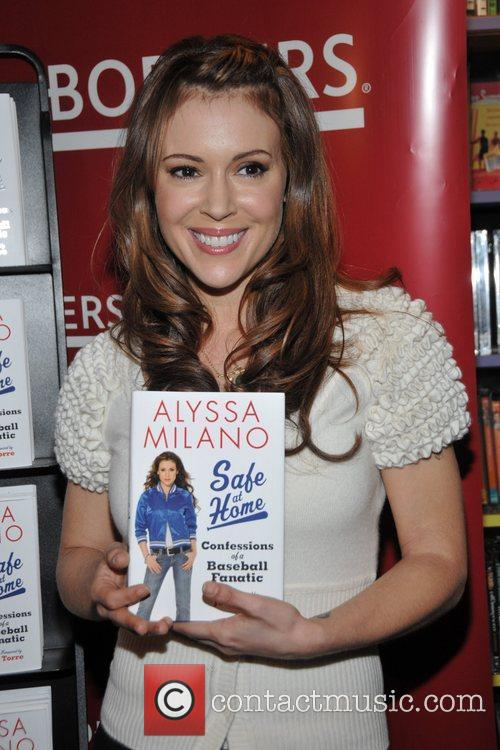 Alyssa Milano 5