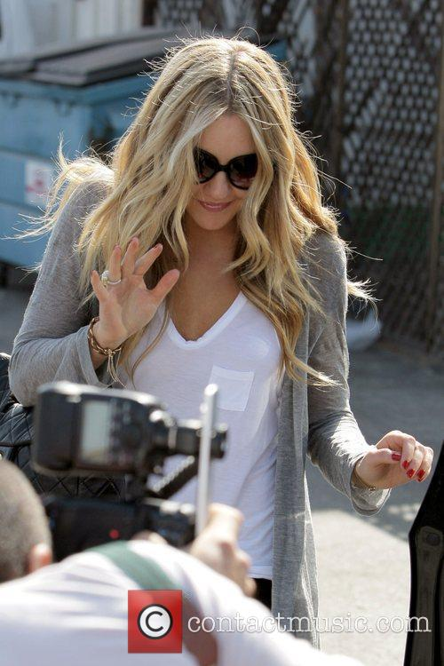 Amanda Bynes leaves Neil George Salon in Beverly...