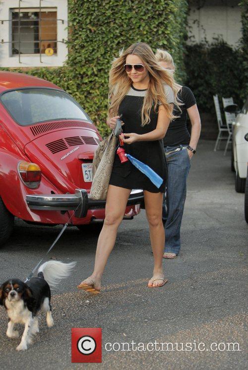 Amanda Bynes  leaves the Byron Allen hair...