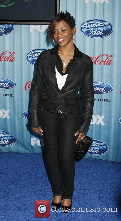 Lil Rounds American Idol's 'The Top 12 Party'...