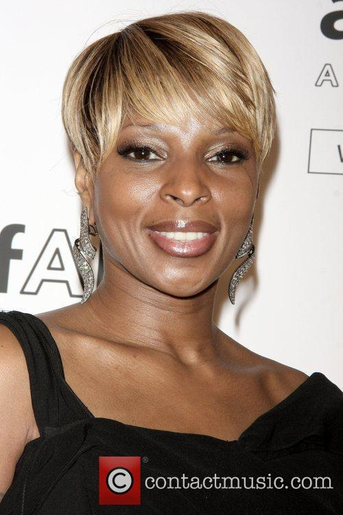 Mary J. Blige amfAR New York Gala to...