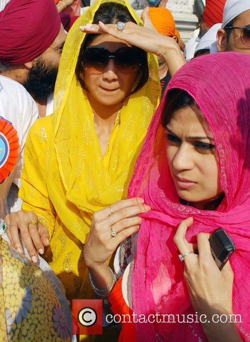 Shamita Shetty and Shilpa Shetty 1