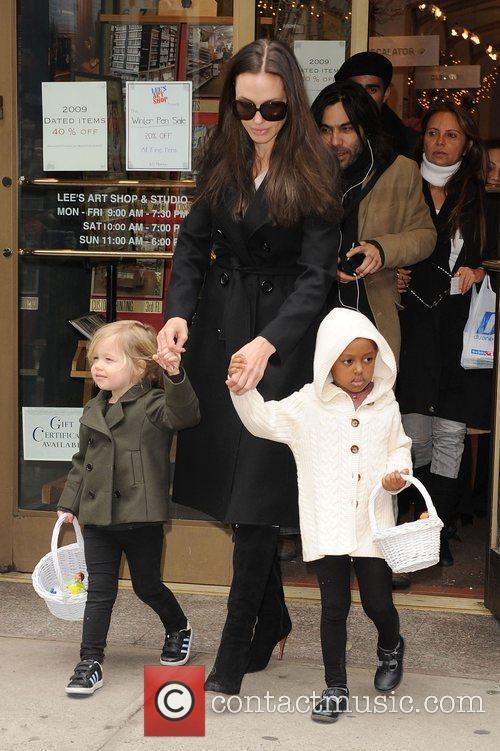 Angelina Jolie, Zahara Jolie-Pitt, Shiloh Jolie-Pitt pick up...