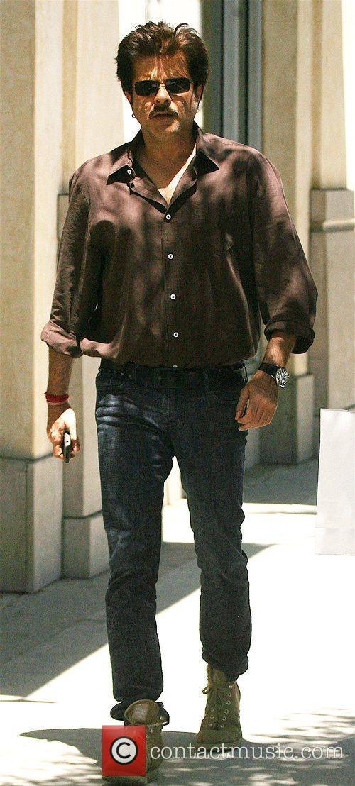 'Slumdog Millionaire' star Anil Kapoor leaving after having...