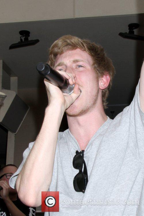 Asher Roth 4