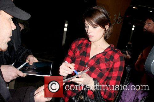 Ashley Greene 'Twilight' star surrounded by photographers as...