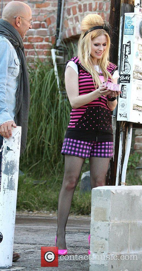 Avril Lavigne and Johnny Depp Large Picture