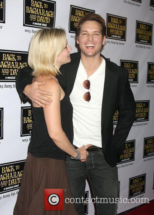 Jennie Garth and Peter Facinelli 2