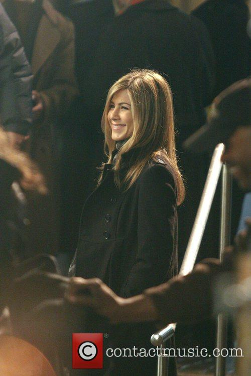 jennifer aniston on the set of her new film 39 the baster 39 shooting in manhattan 18 pictures. Black Bedroom Furniture Sets. Home Design Ideas