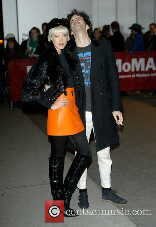 Agyness Deyn and Albert Hammond Jr 5