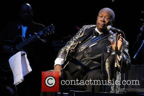 B.B. King performing at Raymond F. Kravis Center...