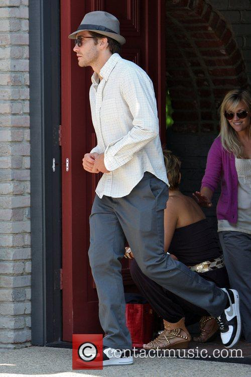 Jake Gyllenhaal and Reese Witherspoon 1