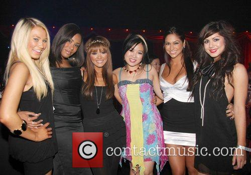 Girl Band Hope and Ching The 'End of...