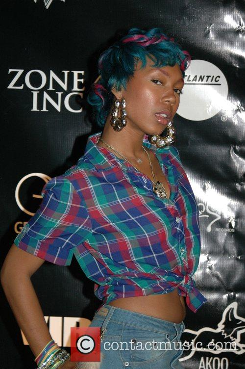 Arrives at the 2008 BET Hip Hop Awards...