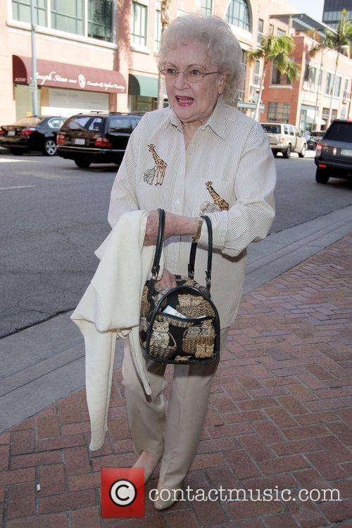Betty White and Golden Girls 5