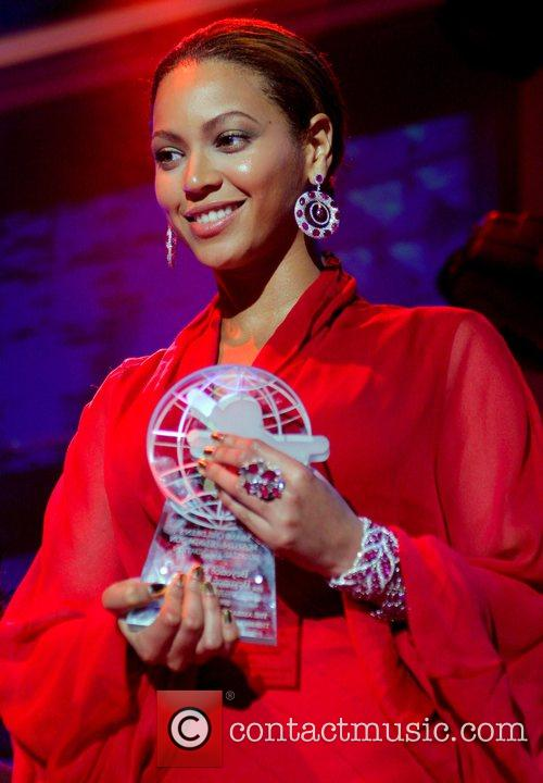 Beyonce  Diamond Ball and private concert benefiting...