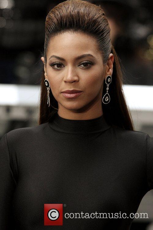 Beyonce Knowles, Rockefeller Plaza