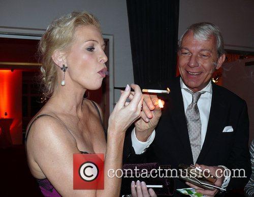 Grit Weiss, Jo Groebel  Beyond Swing party...