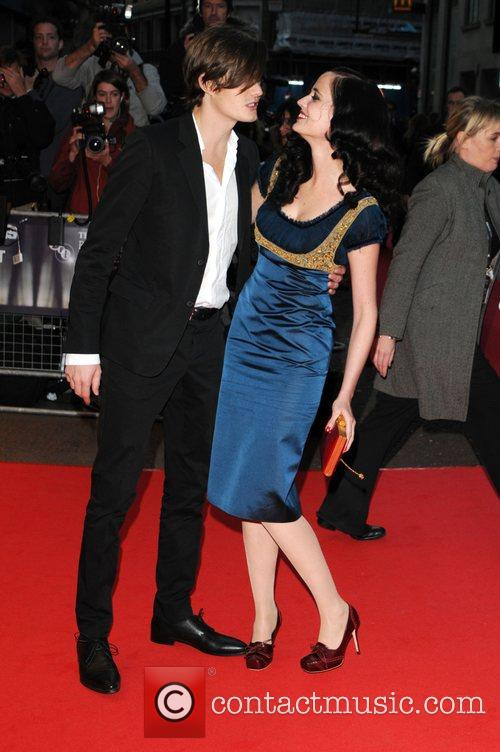 Sam Riley and Eva Green 9